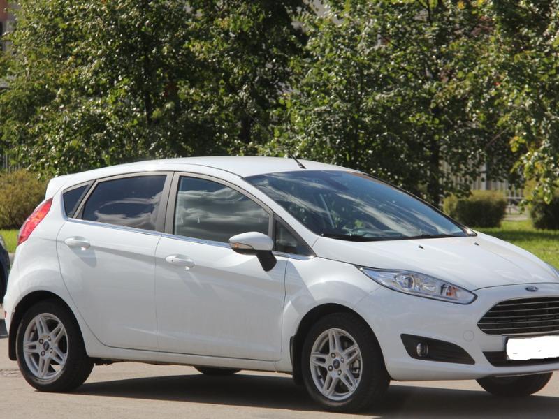 ФОТО Крышка багажника для Ford Fiesta Киев