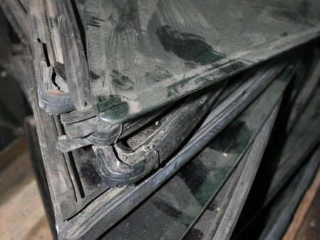 ФОТО Стекло боковое заднее для Mercedes-Benz 124 Киев