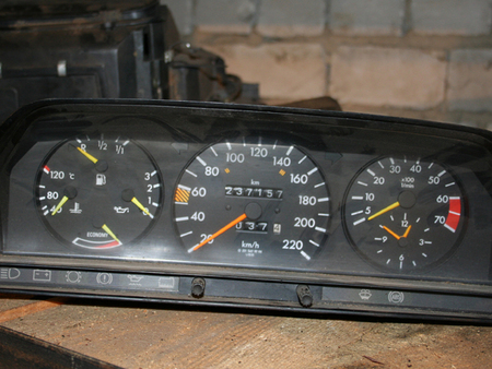 ФОТО Щиток приборов для Mercedes-Benz 124 Киев