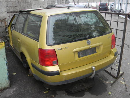 ФОТО Крышка багажника для Volkswagen B5 Алчевск