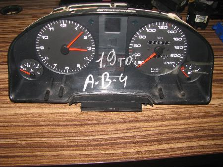 ФОТО Панель приборов для Audi (Ауди) 80 Львов