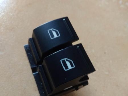 ФОТО Блок кнопок стеклоподъемников для Volkswagen Caddy Житомир